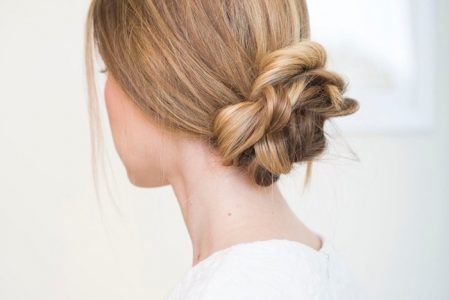 Beautiful hairstyles: 124 ideas and instructions for re-styling