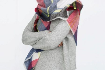 How to Wear a Blanket Scarf – 80 + Cozy Suggestions to Keep You Warm This Fall