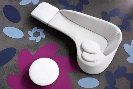 Morena sofa by Leolux