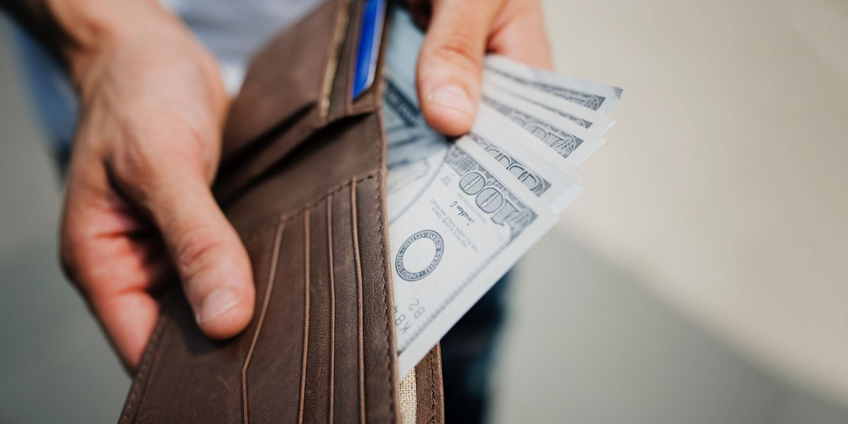 5 Simple Ways to Set a Budget and Avoid Overspending